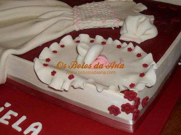 Bolo Baptizado Temático 3D - Caixa de Vestido de Baptizado